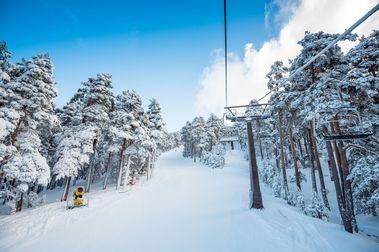 """Presentada la solicitud para declarar la estación de esquí de Navacerrada """"Bien de Interés Cultural"""""""