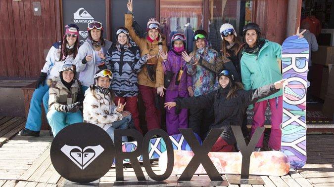 Embajadoras de Roxy realizaron clínica de ski en Valle Nevado