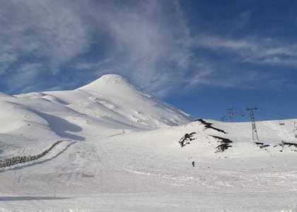 Con mucha nieve sigue la gran temporada en Volcán Osorno