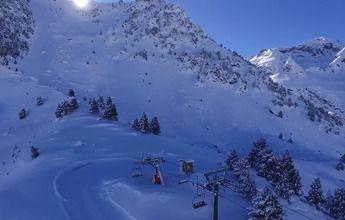 Un profesor de esquí de Formigal fallece bajo un alud de nieve