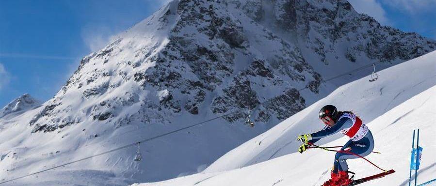 Sofia Goggia gana el Super-G de Saint Moritz pese a perder un bastón