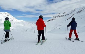 Inspección policial en Huesca en busca de profesores de esquí ilegales