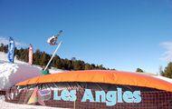 Les Angles: donde puedes esquiar por las calles de un pueblo de montaña