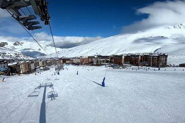 2.200 temporeros de esquí argentinos continúan atrapados en Andorra