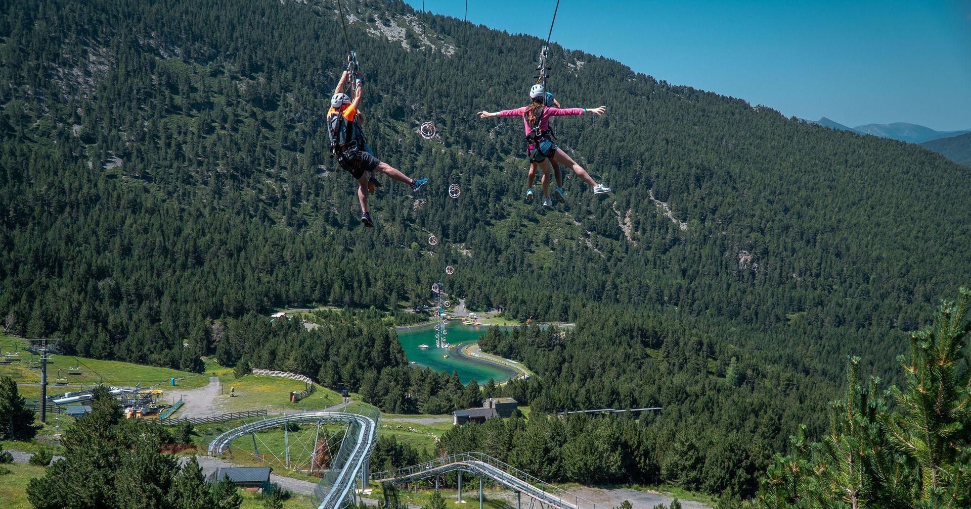 Los turistas responden a la temporada de verano en Grandvalira pese al COVID-19