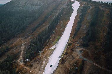 Idre Fjall abre su temporada con esta pista de esquí de nieve guardada