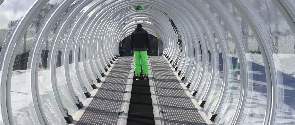 Estaciones de esquí del Pirineo de Francia abren remontes para Navidad