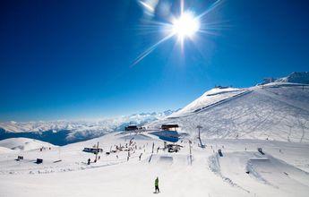 Pyrenees2Valles espera un buen fin de semana de nieve polvo en sus estaciones