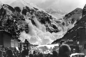 Aludes<br> <i>Avalanches</i>