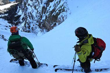 Los seguros no cubren el esquí de montaña durante la crisis del Coronavirus
