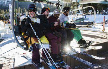 Esquiador borracho cae de un telesilla en la apertura de A-Basin