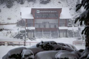 Una buena nevada permitirá abrir a Arapahoe Basin su temporada de esquí