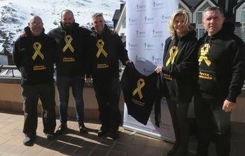 Sudadera solidaria contra el cáncer infantil