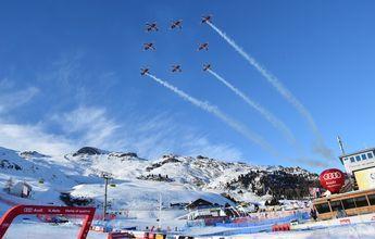 Un avión militar golpea una cámara en Saint Moritz 2017
