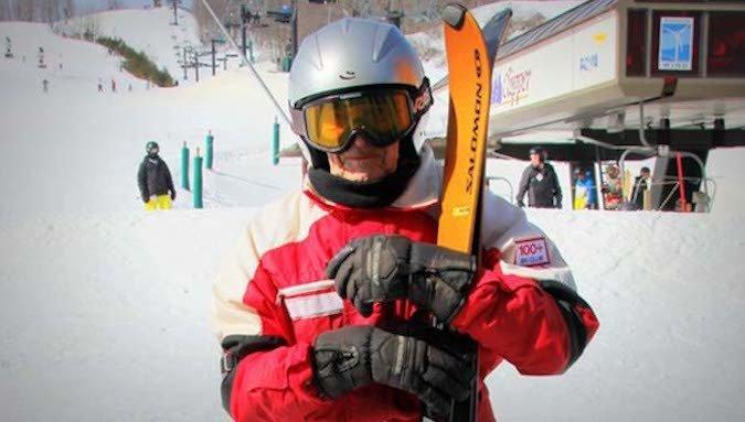 106 años tiene el esquiador de más edad del mundo