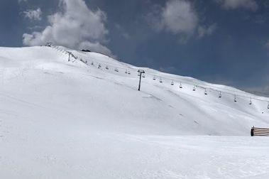 Arapahoe Basin no se resiste a volver a abrir su temporada de esquí