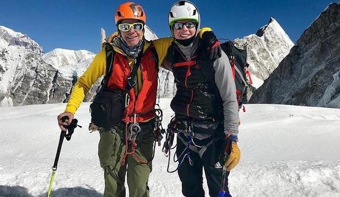 Los Sancionan por Esquiar ilegalmente en el Everest
