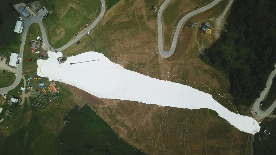Vista aérea pista Limone Piemonte esquí