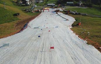 Limone Piamonte habilitó una pista para esquiar con nieve del invierno