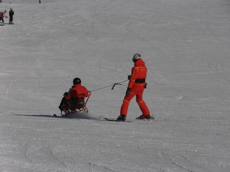CURSOS ESQUÍ ALPINO Y SNOWBOARD ADAPTADO INICIACIÓN Y TECNIFICACIÓN (Sierra Nevada) 2014/15