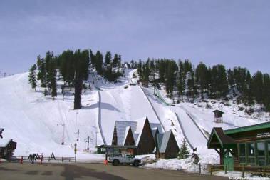 Los domingos esquí gratis en Howelsen Hill Ski Area
