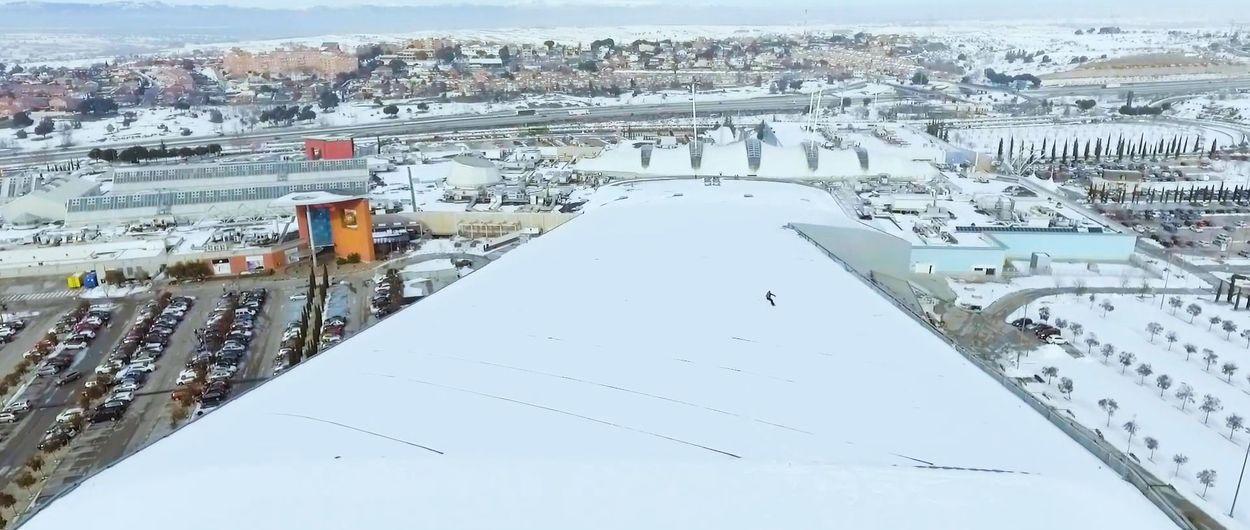 ¡Madrid Snowzone saca sus esquís al tejado aprovechando la nevada!