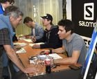 Hannes Reichelt y Patrick Kueng visitan Salomon