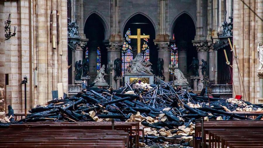 Interior de la Catedral de Notre Dame tras el incendio