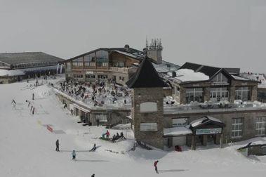 Sierra Nevada cierra la temporada de esquí más complicada de su historia