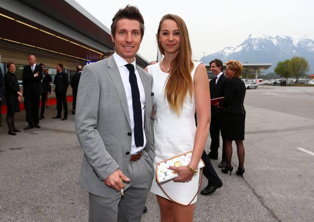 Marcel Hirscher y Laura Mosl