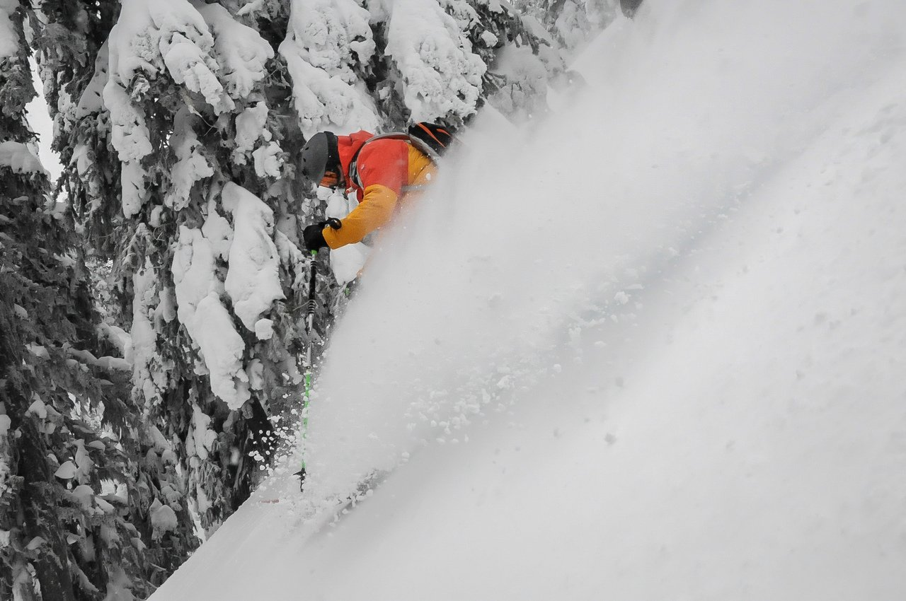 Fernando en deep powder