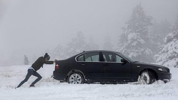 12 consejos para conducir con nieve y frío
