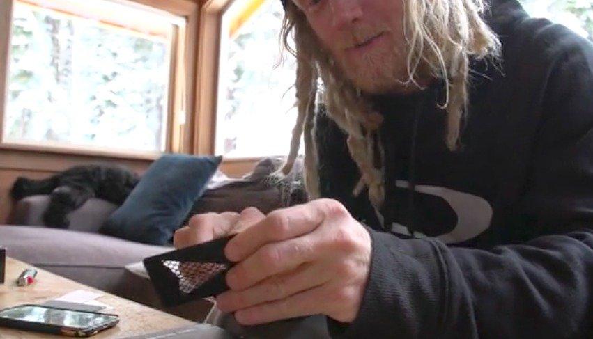 Tanner Hall firma patrocinio con una marca de marijuana