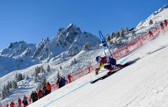 Jim Ratcliffe dona 17 millones de euros al Ski Club Courchevel