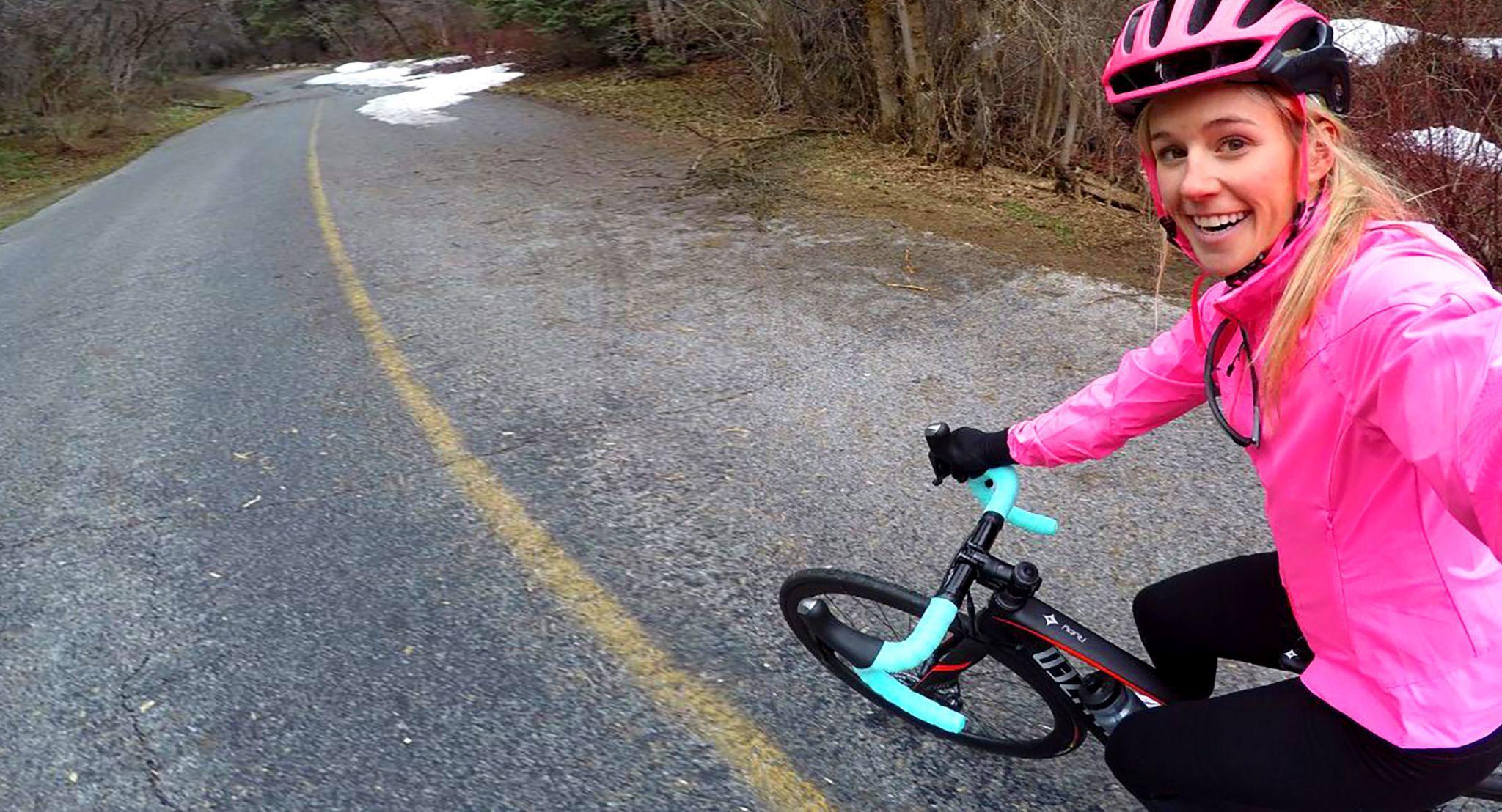 Sustituto al esquí: 5 razones para elegir la bici fuera de temporada.