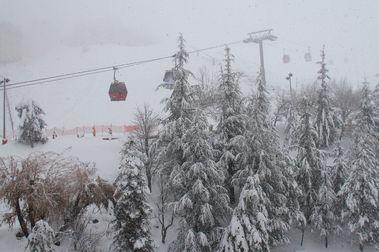 Sierra Nevada se reinicia con su primera tormenta de nieve del año