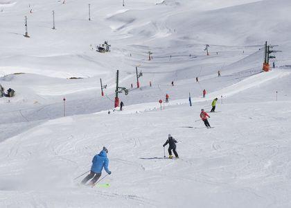 Más sol y muchos kilómetros para esquiar en Aramón