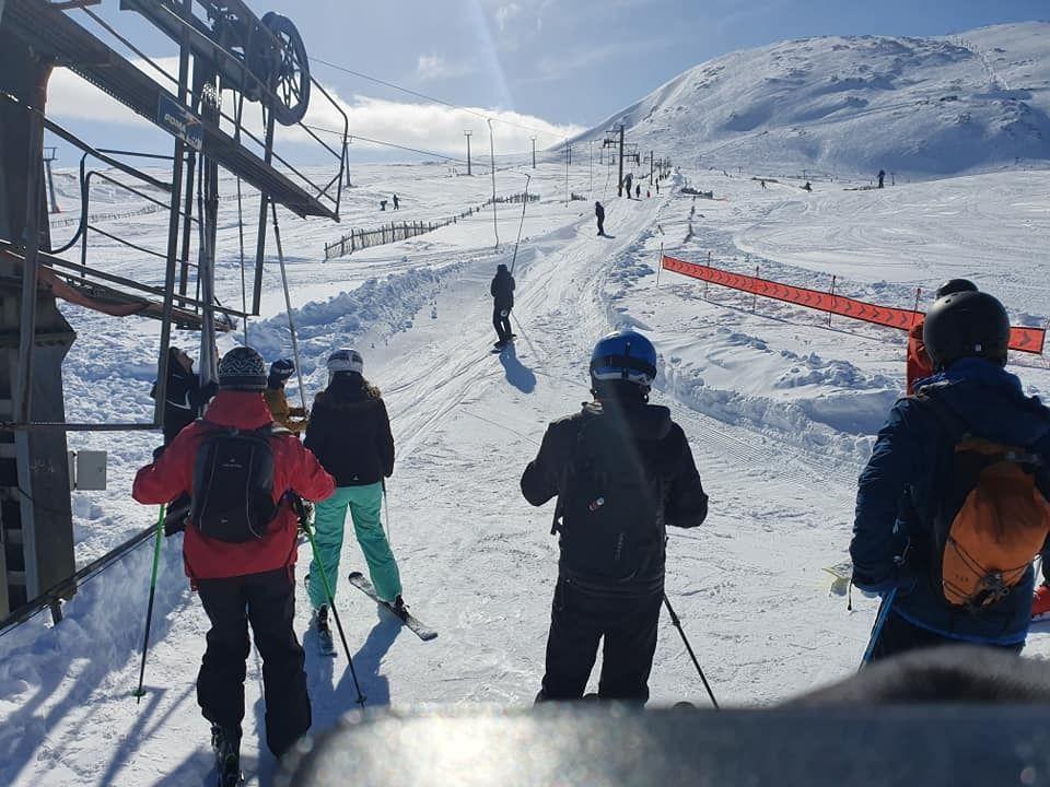 Travel Luggage Snowboard Ski Lech Ski Resort Car Laptop