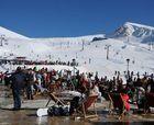 Parnassos cierra una larga temporada y de muchos esquiadores