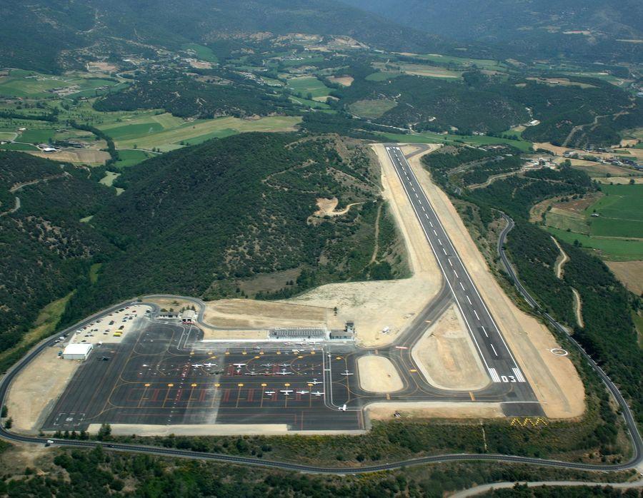 Aeropuerto de la Seu d'Urgell vista desde el aire
