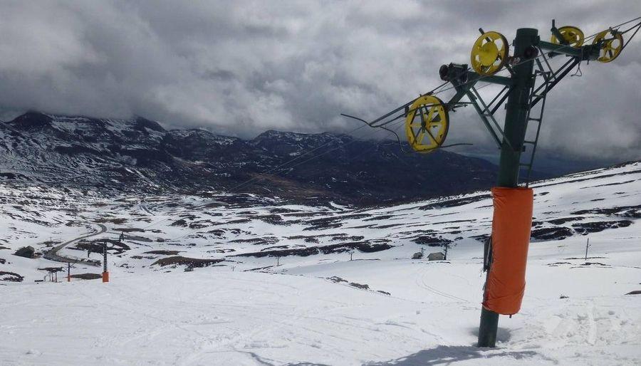 Telesqui en la estacion de esqui de Lunada