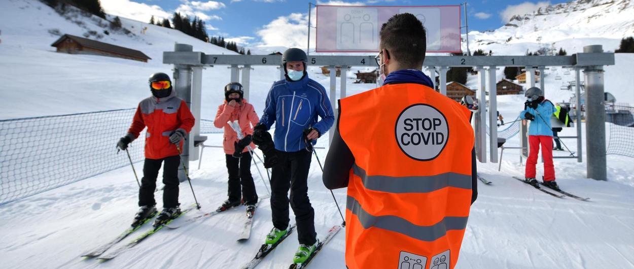 Francia también baraja pedir el Pasaporte COVID para acceder a sus estaciones de esquí