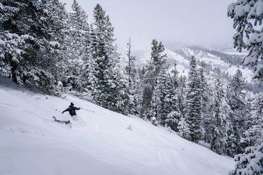 Black Diamond presenta sus nuevos esquís Impulse para este invierno