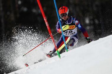 Buen puesto del esquiador aranés Alex Puente en el SL de Cortina d'Ampezzo 2021