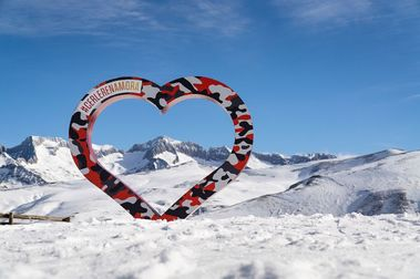 Aramón cierra superando de nuevo el millón de días de esquí