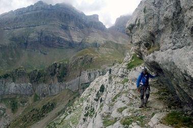 """Subir el Tobazo escalando. Vía """"Valle de Canfranc"""""""