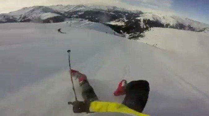 Cae esquiando y baja sentado durante 1,2 kilómetros a 82km/h