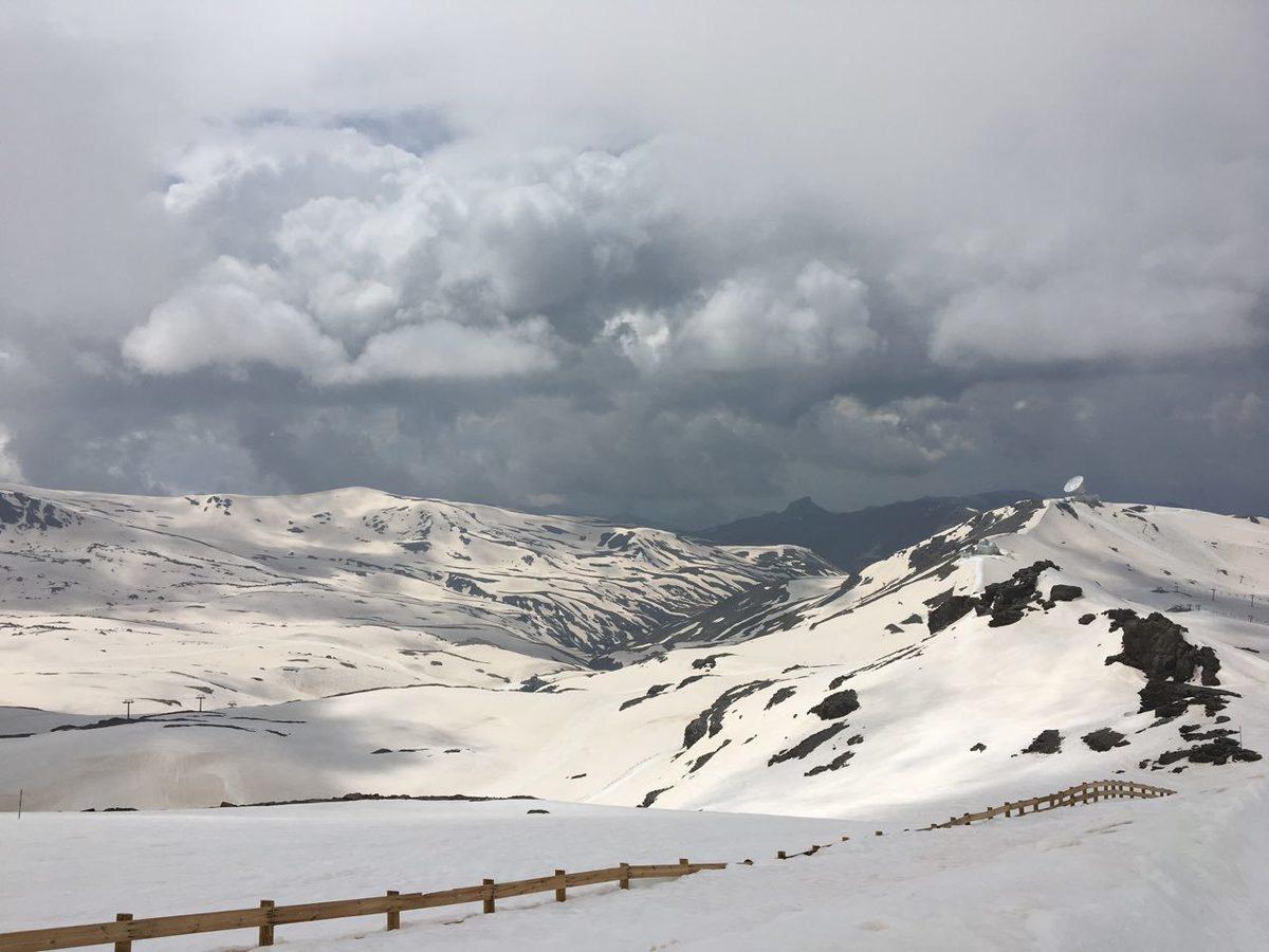 Primera subida en splitboard, 19 de mayo (Sierra Nevada)