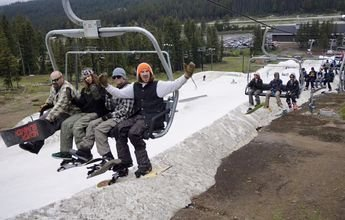 Boreal Ski (California) abre para el esquí en pleno verano
