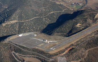 El aeropuerto de la Seu podría recibir los primeros esquiadores